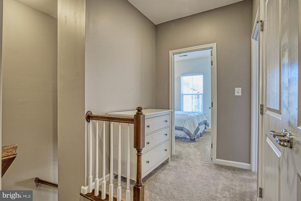 Hallway Leads the Second and Third Bedrooms - 25056 MCCULLEY TER, ALDIE
