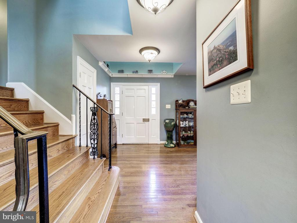 Two-Story Foyer - 7800 PERSIMMON TREE LN, BETHESDA