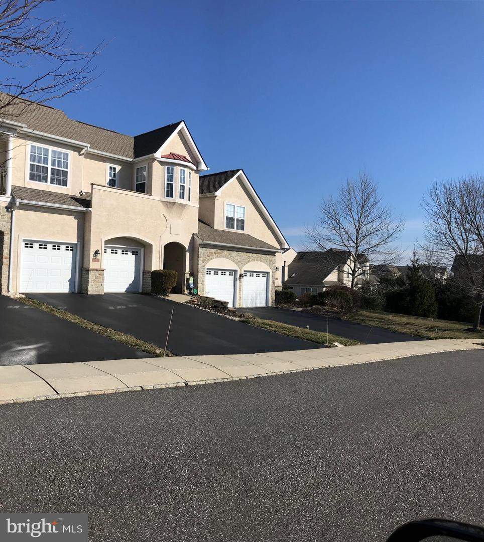 Additional photo for property listing at 11 THREEOAK Lane West Chester, Pensilvania 19382 Stati Uniti
