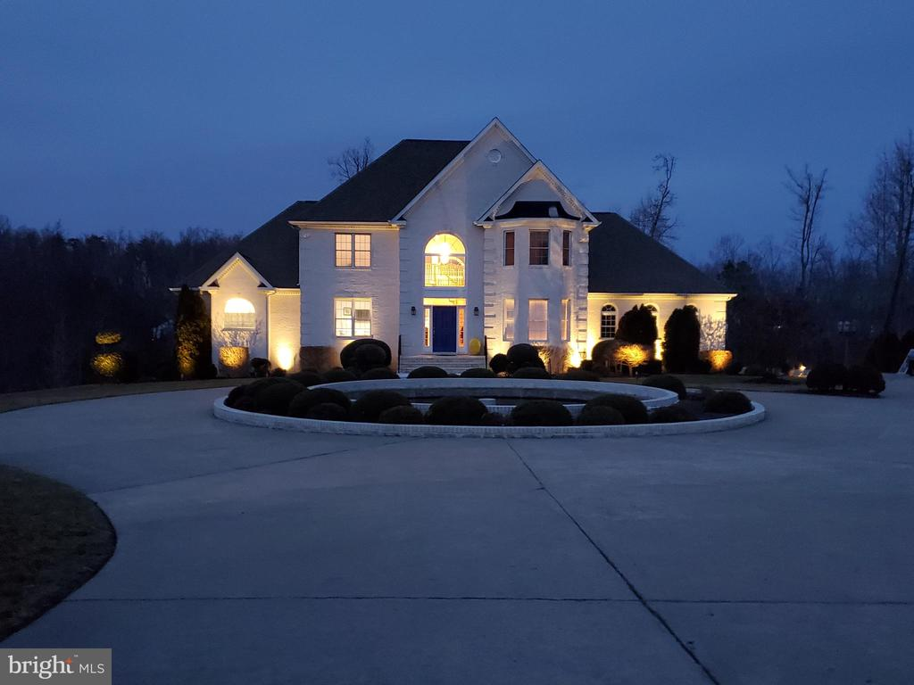 Beautiful Home on 2 acres - 5707 TIPPERARY TRL, FREDERICKSBURG