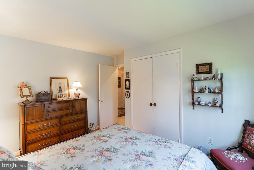 2nd floor bedroom - 11905 VIEWCREST TER, SILVER SPRING