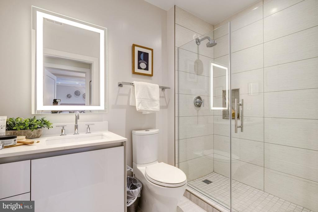 Guest bathroom - 1745 N ST NW #213, WASHINGTON