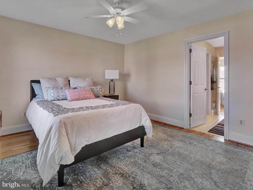 2nd bedroom with door to full bath - 1012 MERCER PL, FREDERICK