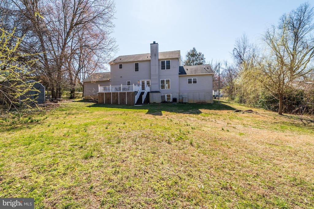 1/2 acre right in Annandale - 7102 BYRNELEY LN, ANNANDALE