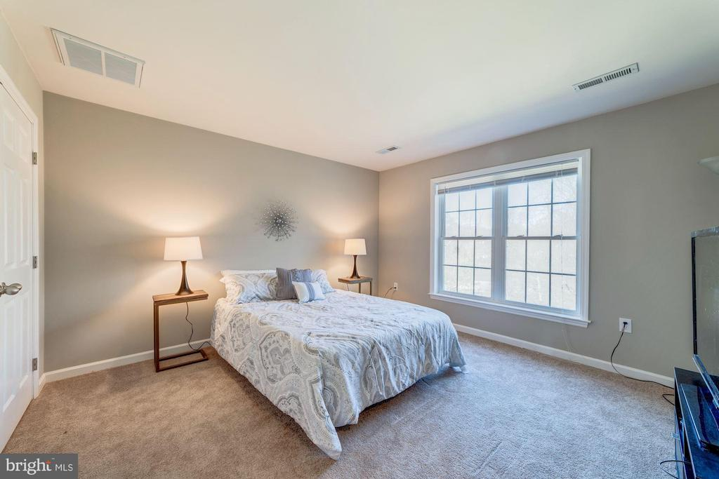 3rd bedroom ready for guests - 7102 BYRNELEY LN, ANNANDALE