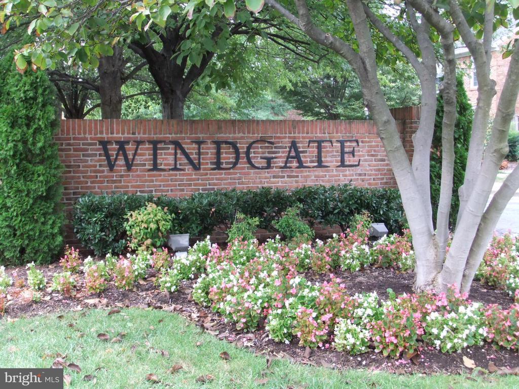 Windgate entry from Arlington Mill - 2550-B S ARLINGTON MILL DR #B, ARLINGTON