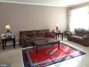 Living Room w/ Big Window - 12509 HAWKS NEST LN, GERMANTOWN
