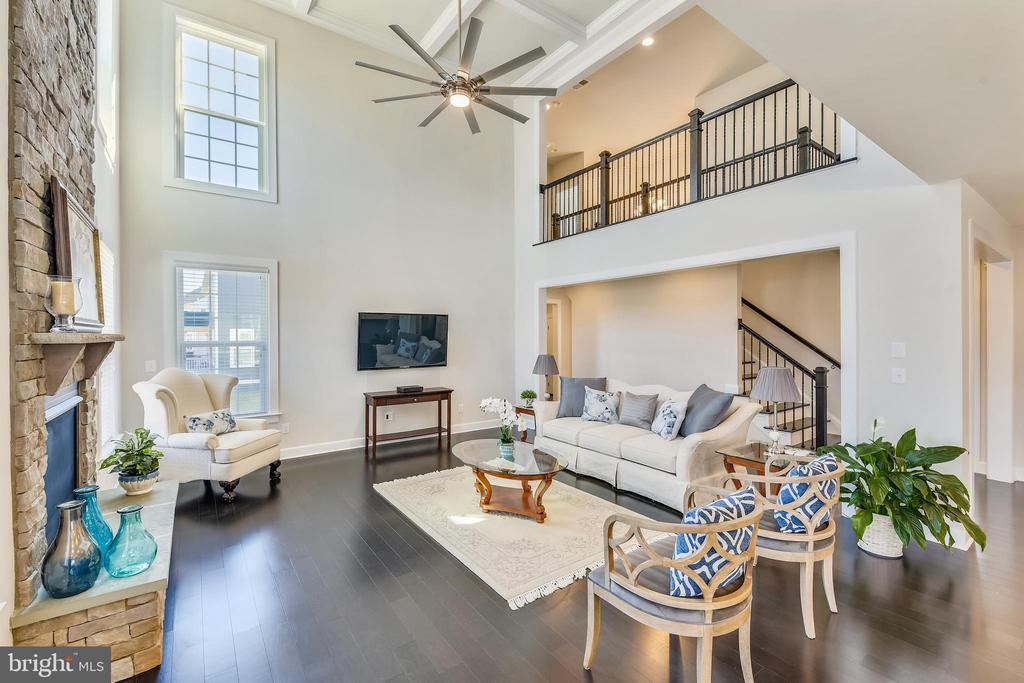 Impressive great room /family room - 41178 CHATHAM GREEN CIR, ALDIE