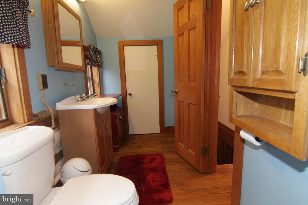 spacious half bath with extra closet - 35820 CHARLES TOWN PIKE, HILLSBORO