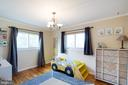 Look at all that natural light! - 10822 CHARLES DR, FAIRFAX