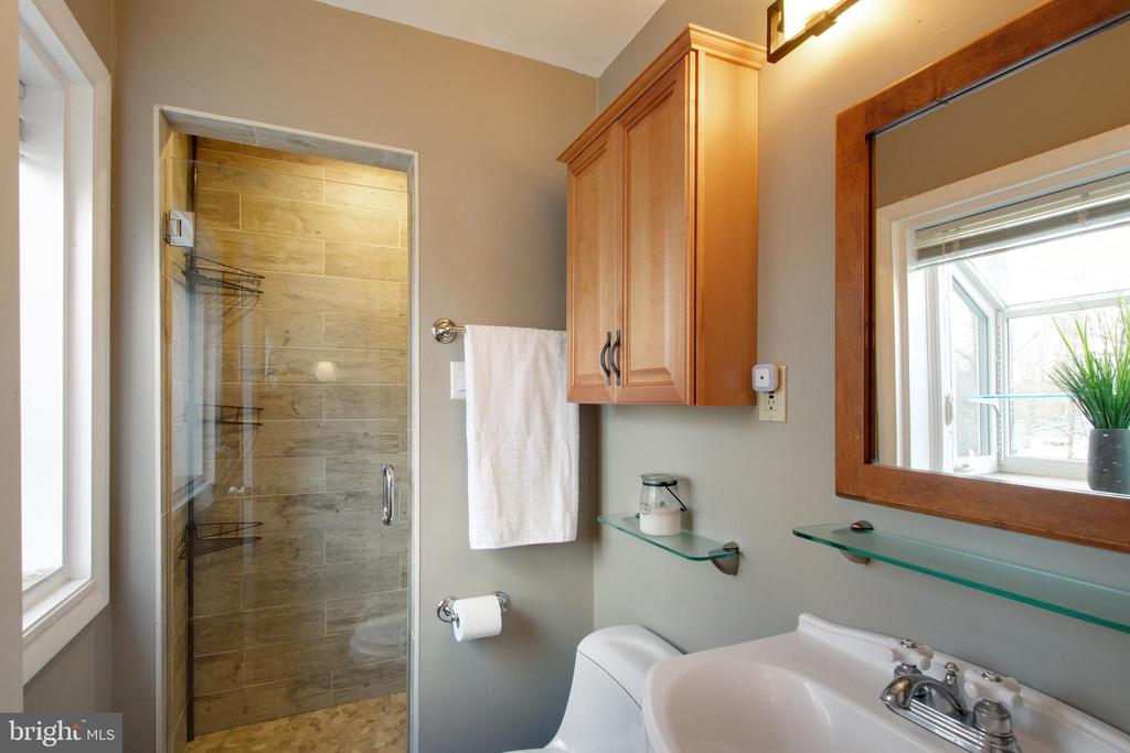 Master bath with updated shower and vanity - 10822 CHARLES DR, FAIRFAX