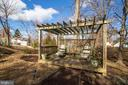 Relax while sitting in your backyard pergola - 10822 CHARLES DR, FAIRFAX