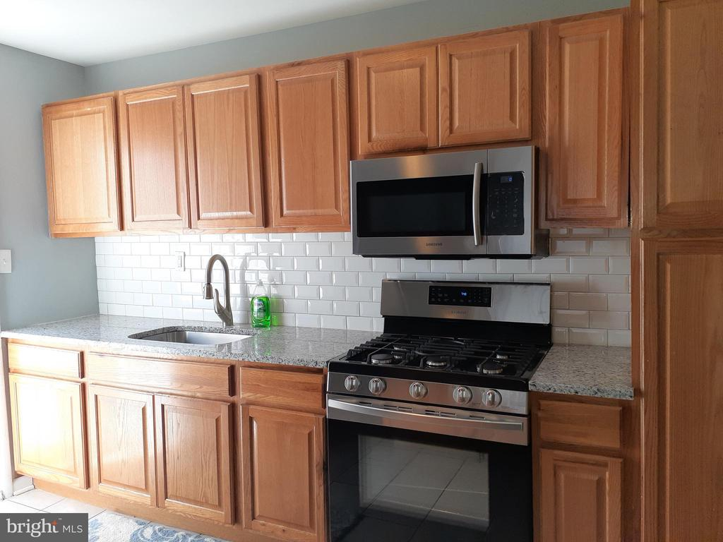 Recently Renovated Kitchen - 6809 VALLEY PARK RD, CAPITOL HEIGHTS