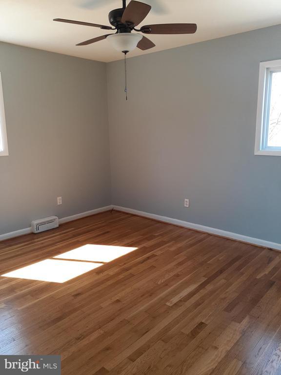 Bedroom #1 - Wood Floors/New Windows - 6809 VALLEY PARK RD, CAPITOL HEIGHTS