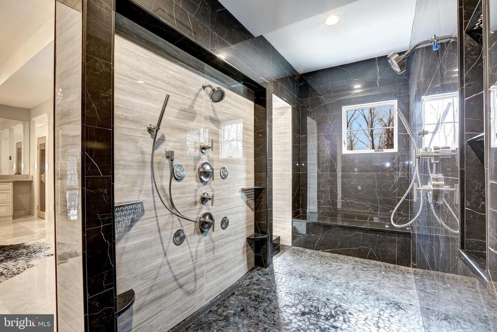 Spacious Modern Shower - 12025 EVENING RIDE DR, POTOMAC