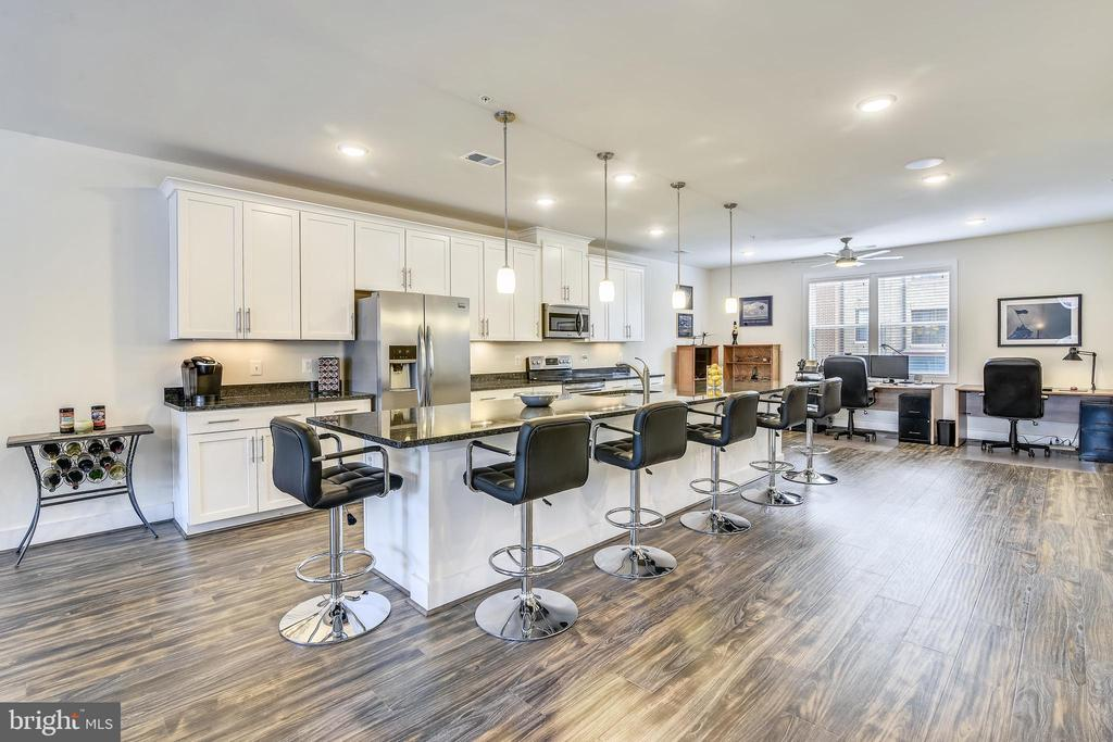 Spectacular Open Concept Living at its best! - 20495 MILBRIDGE TER, ASHBURN