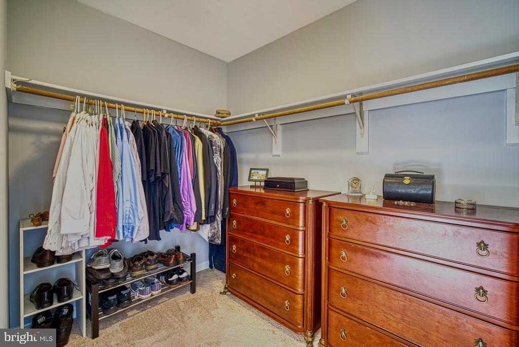 Large walk-in master closet - 12911 ASHTON OAKS DR, FAIRFAX