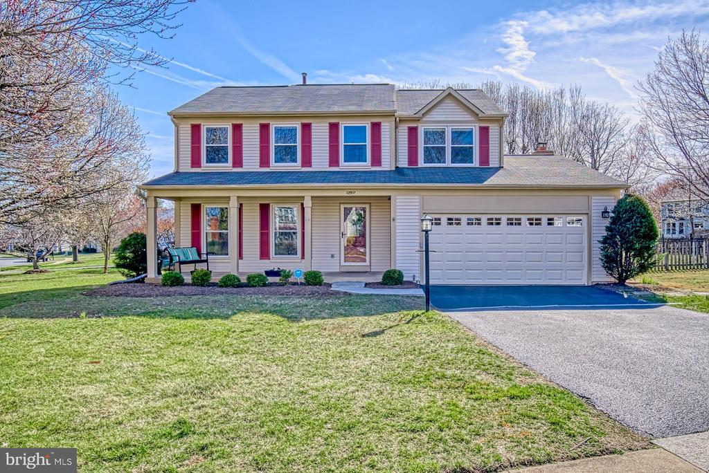 Welcome to 12911 Ashton Oaks Dr. in Hampton Forest - 12911 ASHTON OAKS DR, FAIRFAX