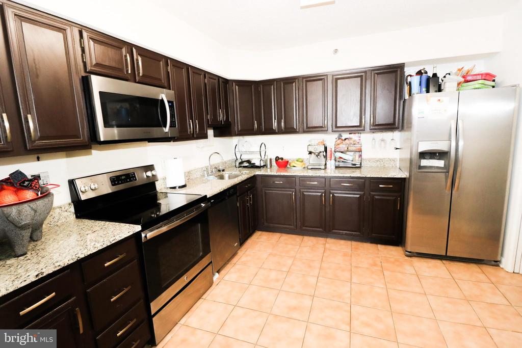 Kitchen - 3709 S GEORGE MASON DR #210, FALLS CHURCH