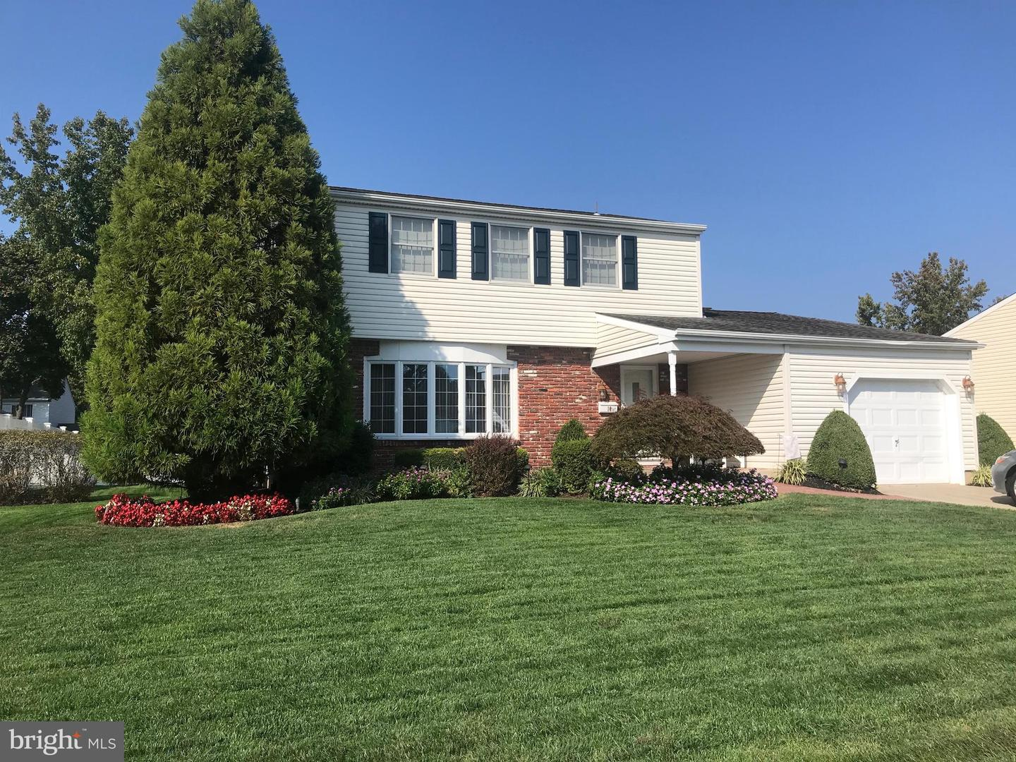 Single Family Homes por un Venta en Address Restricted Laurel Springs, Nueva Jersey 08021 Estados Unidos