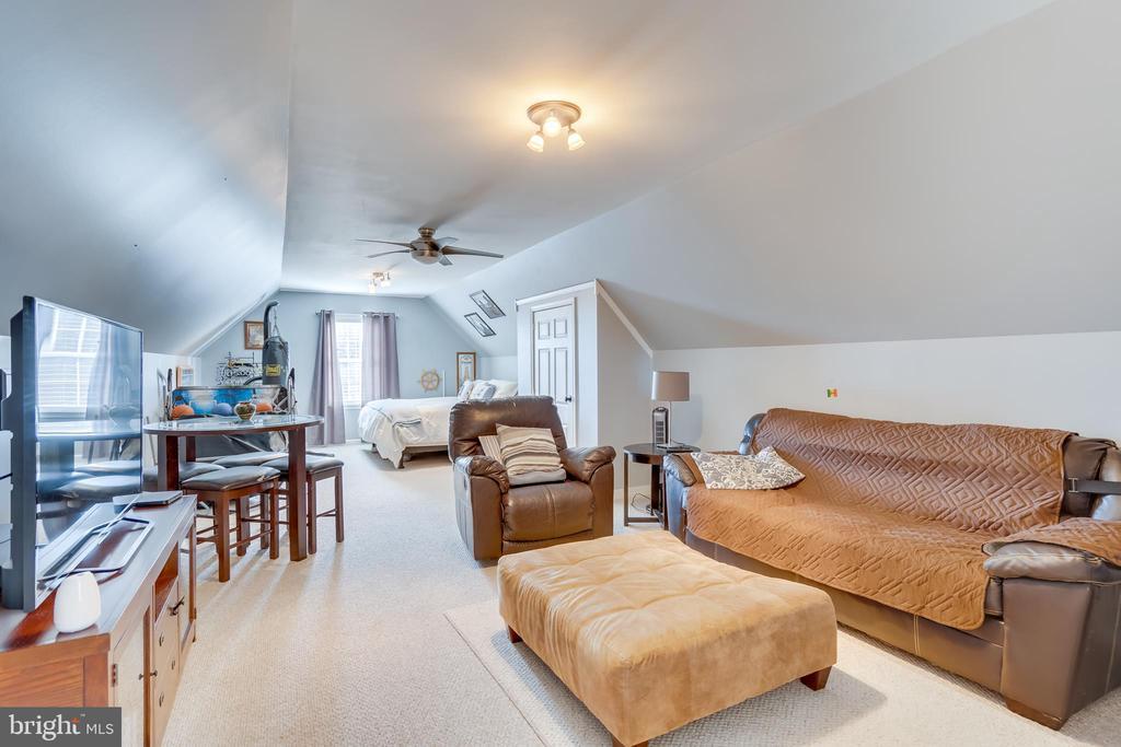 Bonus Room Above Garage - 167 BROOKE RD, FREDERICKSBURG