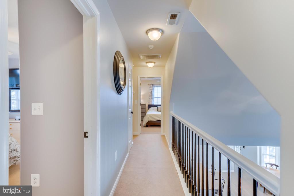 Upstairs Hall - 167 BROOKE RD, FREDERICKSBURG