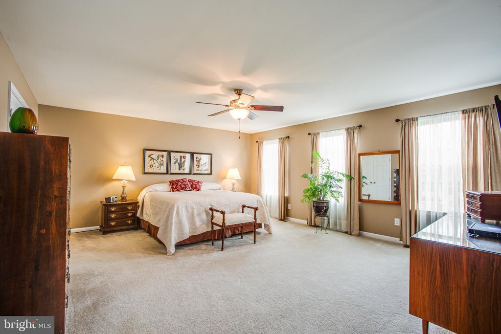 Master bedroom suite - 75 COLEMANS MILL DR, FREDERICKSBURG