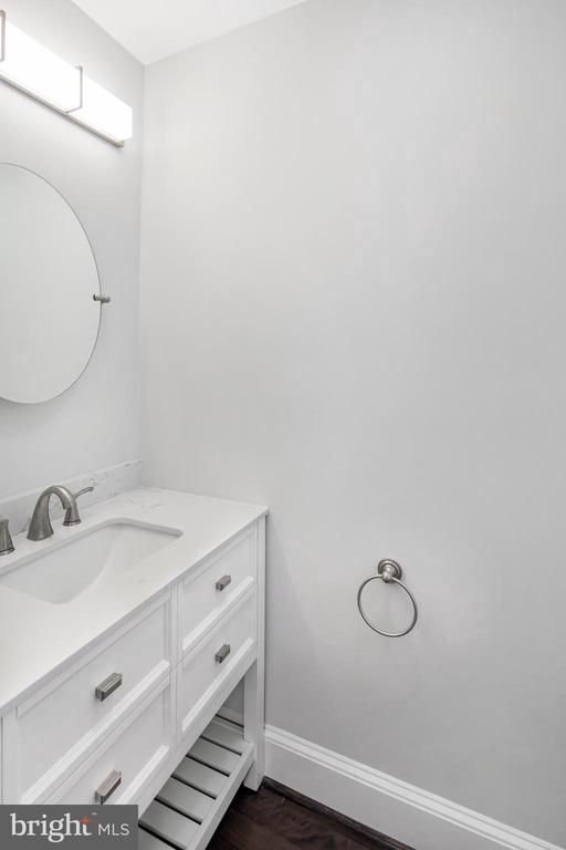 Convenient half bath off the kitchen - 2509 N CAPITOL ST NE, WASHINGTON
