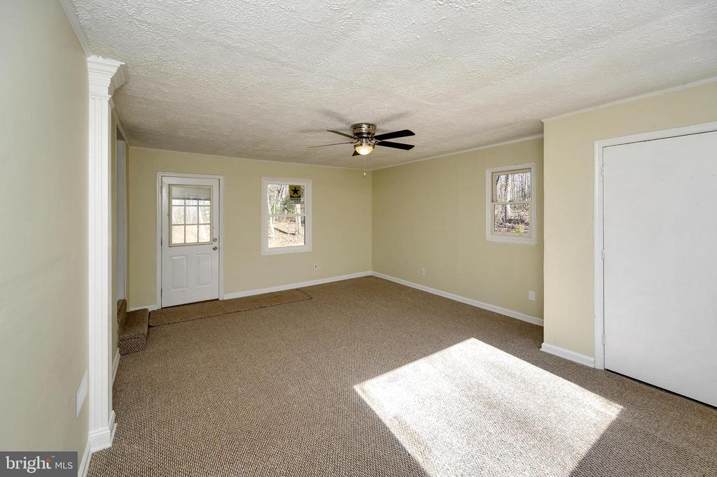 Bonus Room!  What will you make this room? - 7324 EMBREY DR, LOCUST GROVE