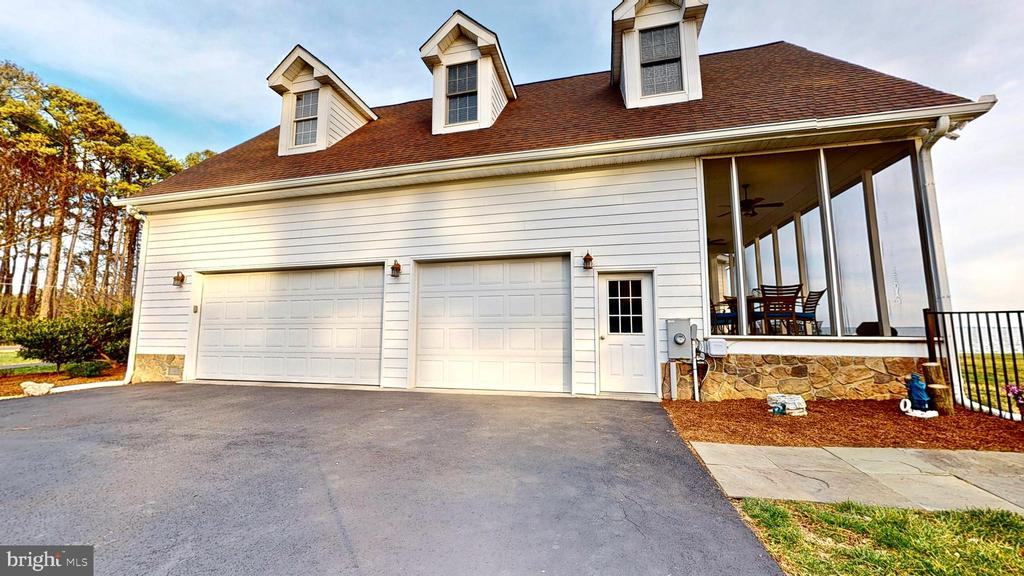 3 car garage - 12295 POTOMAC VIEW RD, NEWBURG