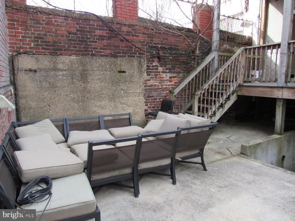 Outside patio space - 1803 2ND ST NW, WASHINGTON