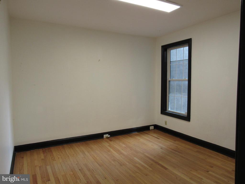 Main level unit bedroom #1 - 1803 2ND ST NW, WASHINGTON