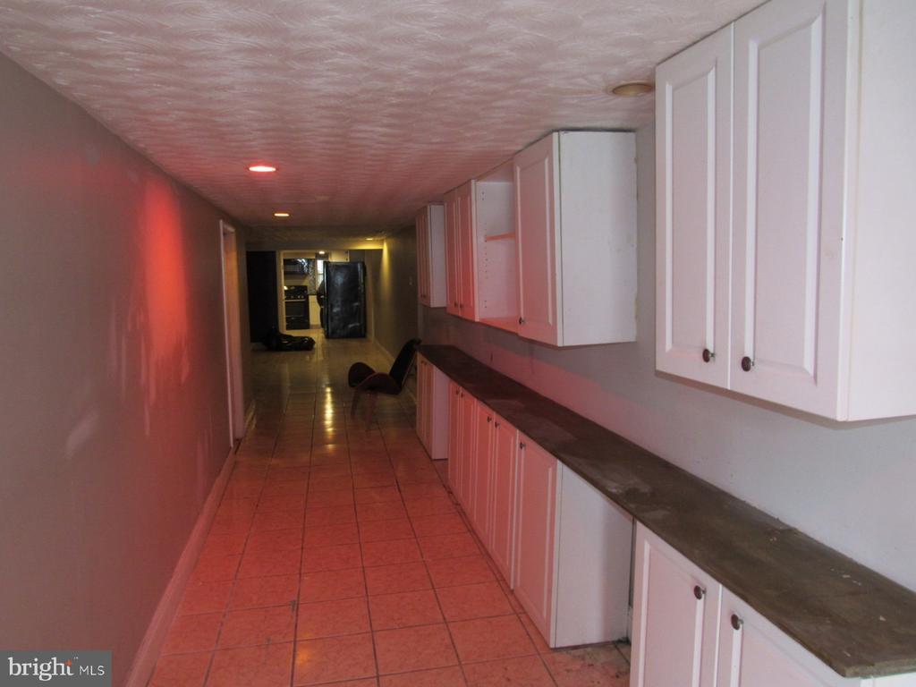Lower level unit hallway - 1803 2ND ST NW, WASHINGTON