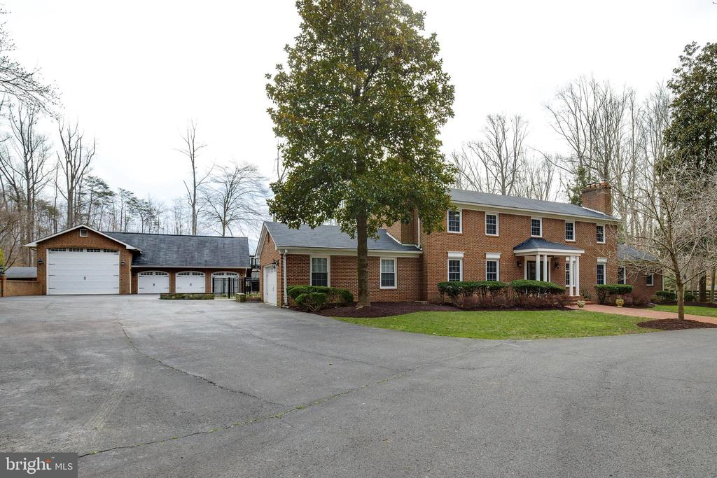 Front Exterior - 8511 CATHEDRAL FOREST DR, FAIRFAX STATION