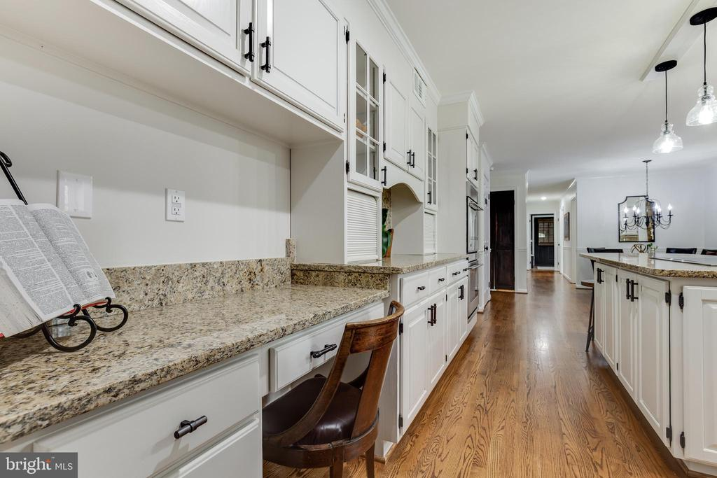 Kitchen - 8511 CATHEDRAL FOREST DR, FAIRFAX STATION
