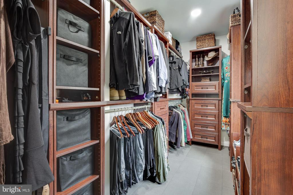 Main Level Master Closet - 8511 CATHEDRAL FOREST DR, FAIRFAX STATION