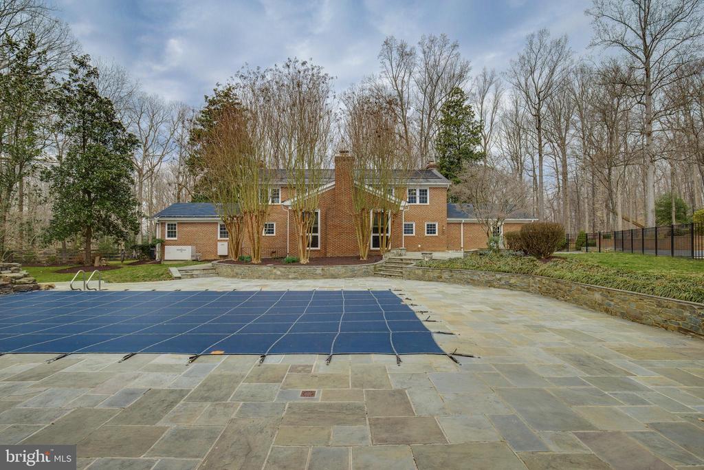 Exterior Rear Pool - 8511 CATHEDRAL FOREST DR, FAIRFAX STATION