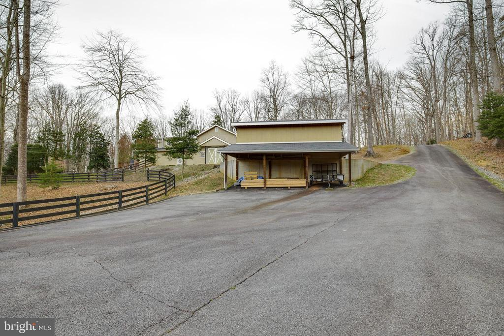 Separate Rear Entrance - 8511 CATHEDRAL FOREST DR, FAIRFAX STATION