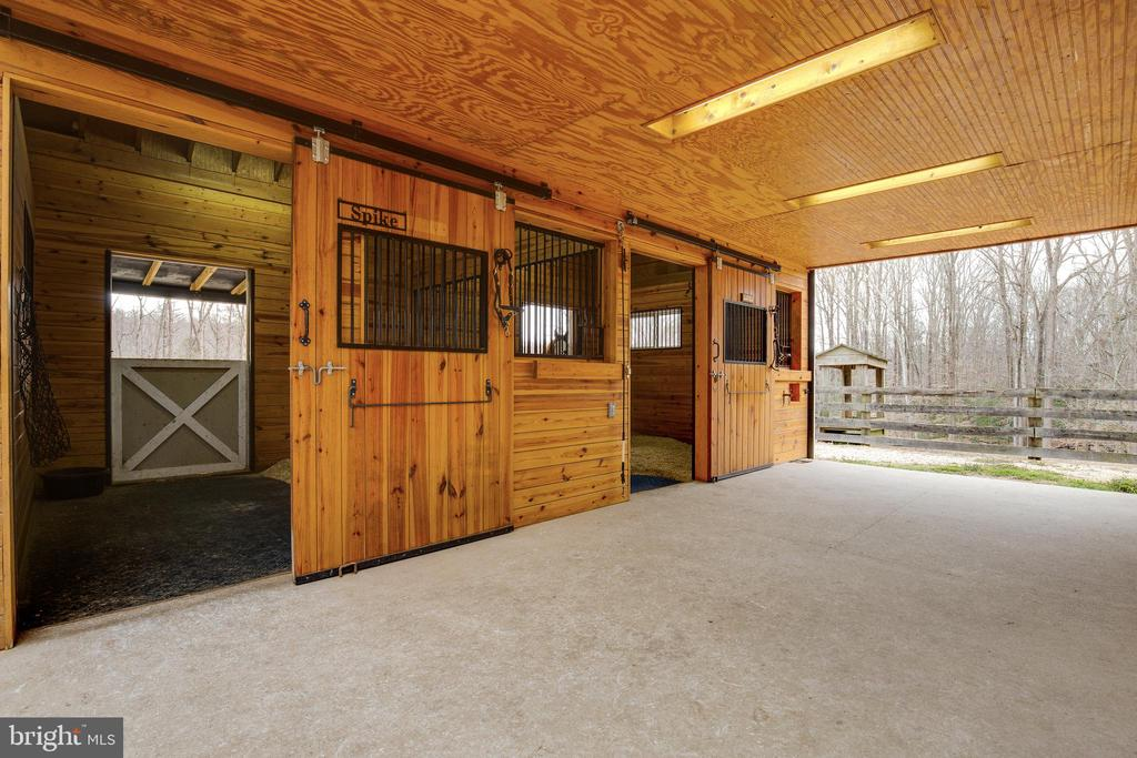 3 Horse Stalls in Stable - 8511 CATHEDRAL FOREST DR, FAIRFAX STATION