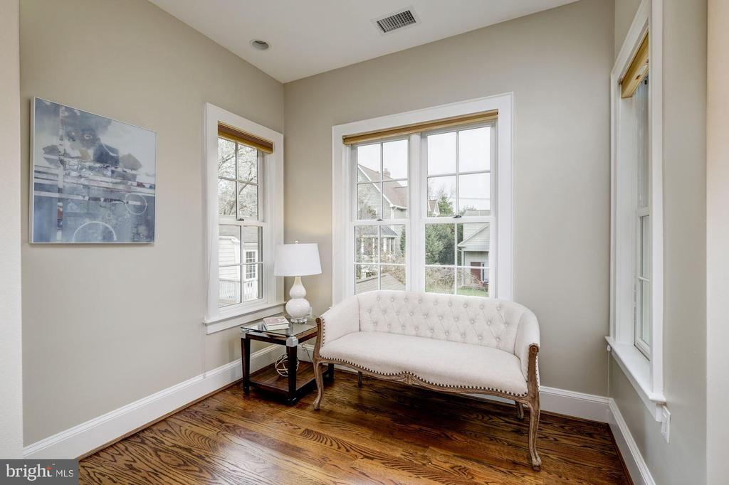 Sitting area in master bedroom - 4405 RIDGE ST, CHEVY CHASE