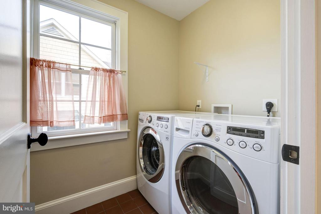 Laundry room - 4405 RIDGE ST, CHEVY CHASE