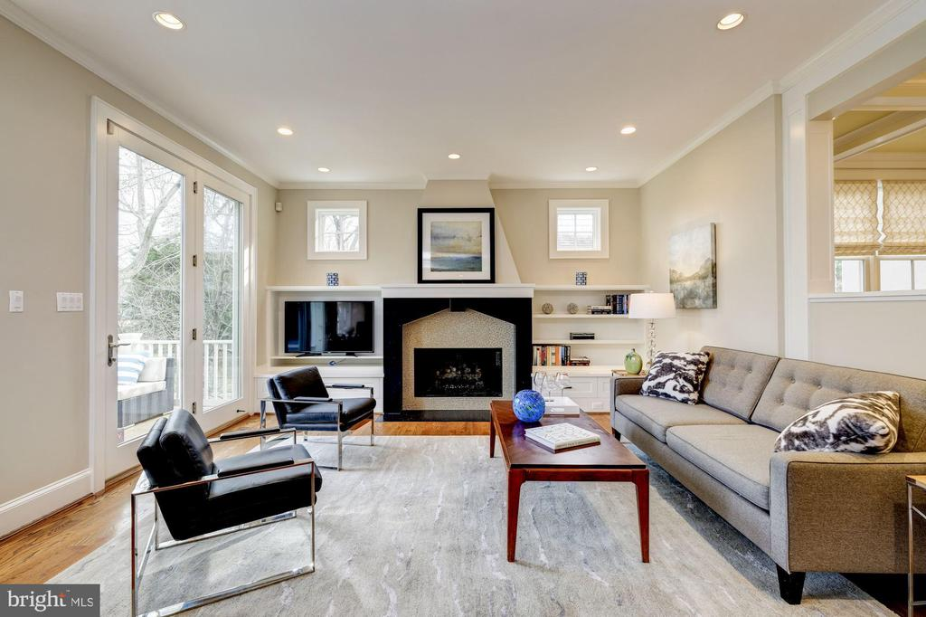 Family room view 2 - 4405 RIDGE ST, CHEVY CHASE