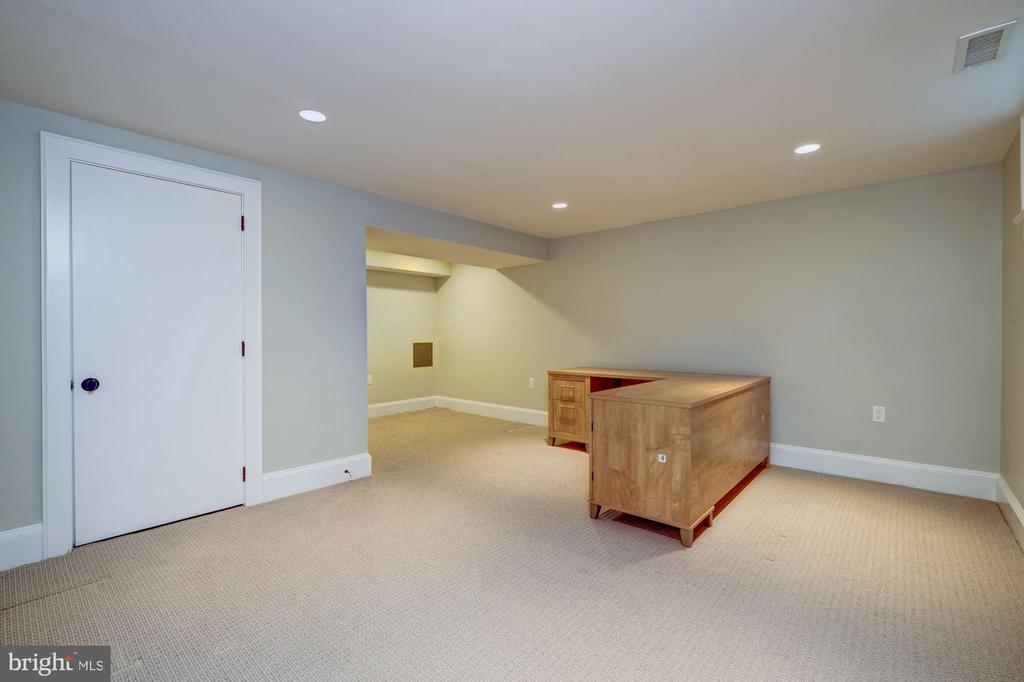 Office - 4405 RIDGE ST, CHEVY CHASE