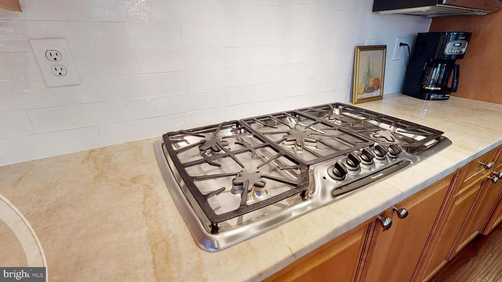 5 Burner Gas Cooktop - 1125 CLINCH RD, HERNDON