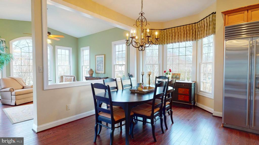Breakfast Room with Bay Window - 1125 CLINCH RD, HERNDON