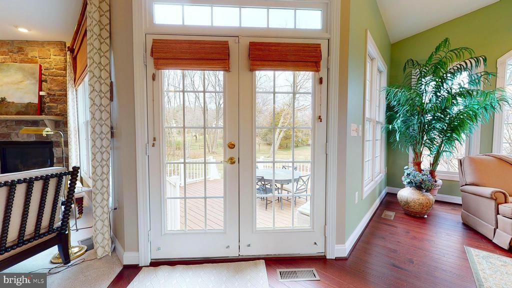 French Doors To Deck - 1125 CLINCH RD, HERNDON