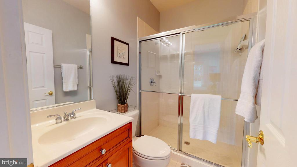 Full Bath #2 - 1125 CLINCH RD, HERNDON