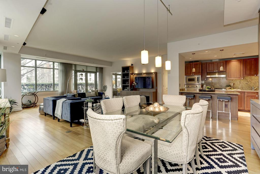 Dining room conveniently off kitchen - 2425 L ST NW #203, WASHINGTON