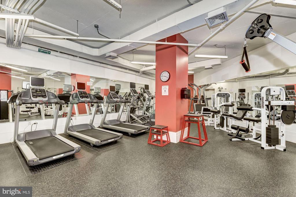 Modern in-building gym & exercise center - 2425 L ST NW #203, WASHINGTON