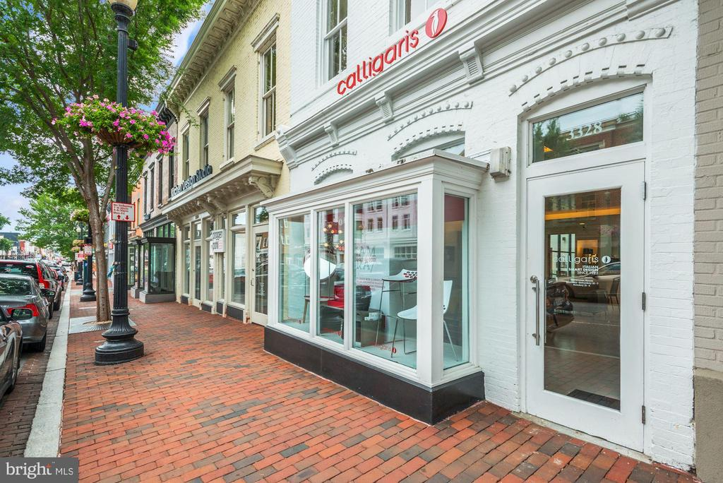 Short blocks to the shops of Georgetown! - 2425 L ST NW #203, WASHINGTON